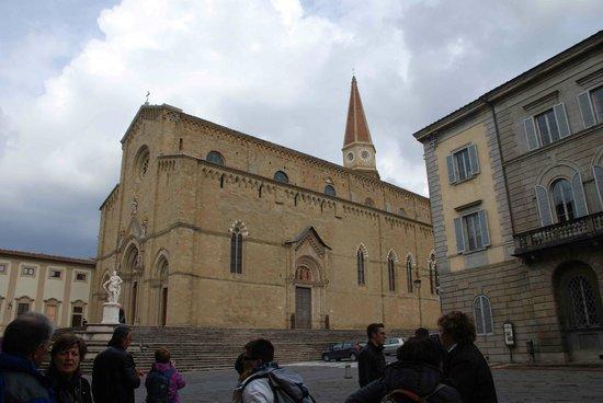 Duomo San Donato: Mastodontico