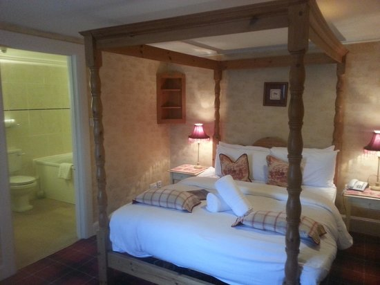 East Haugh House : our lovely room