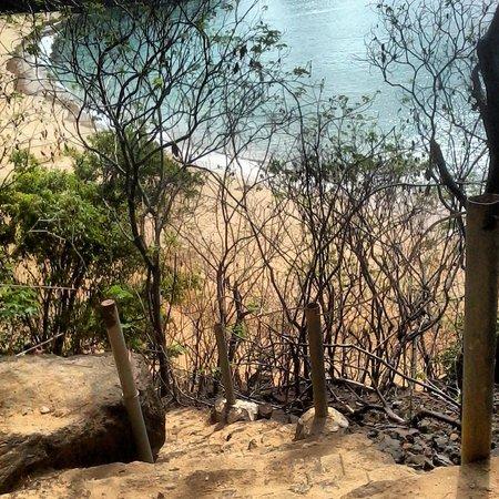 Baia do Sancho: Descida até a Baía do Sancho