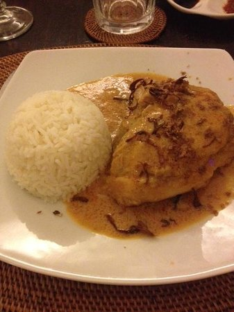 Borobudur Ristorante Indonesiano: pollo al curry