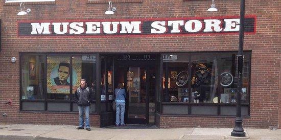 The Johnny Cash Museum : the museum shop