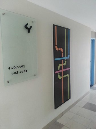 Artotel Surabaya : Room Direction Board