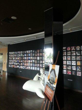 Artotel Surabaya : Lobby