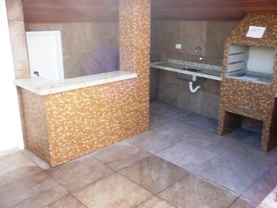Ancoradouro Hotel: Churrasqueira de uso comum.