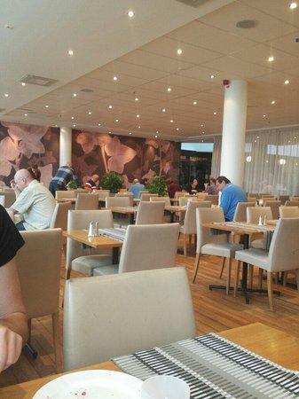 Elite Hotel Marina Plaza : Restaurangen där vi åt den goda frukosten :)
