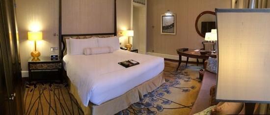 Fairmont Peace Hotel: Room 131