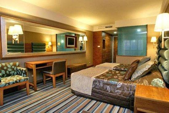 Pine Bay Holiday Resort: Hotel Rooms