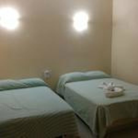 Hotel Zihua Express: Twin room
