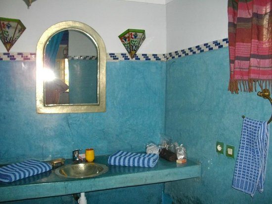 Riad Dar Nael: Bagno camera Silvia