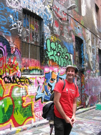 Melbourne By Foot: Dave & Cultural Walk laneway grafitti