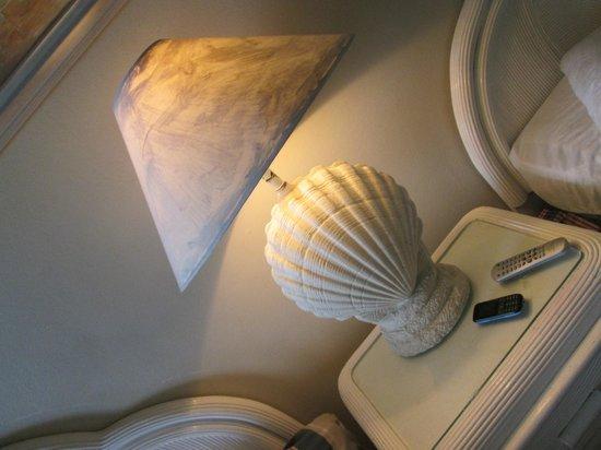 Silver Seas Resort Hotel : room interior