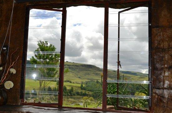 Inkunzi Cave & Zulu Hut: Gorgeous view from main room