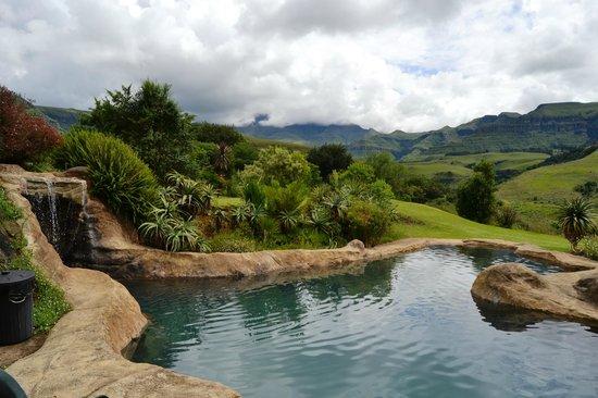 Inkunzi Cave & Zulu Hut: Private pool