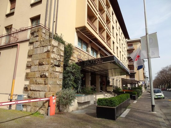 FH Grand Hotel Mediterraneo: Outside view of hotel