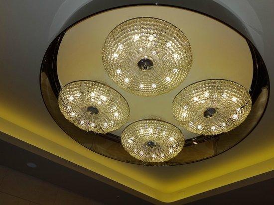 FH Grand Hotel Mediterraneo: View inside lobby of hotel