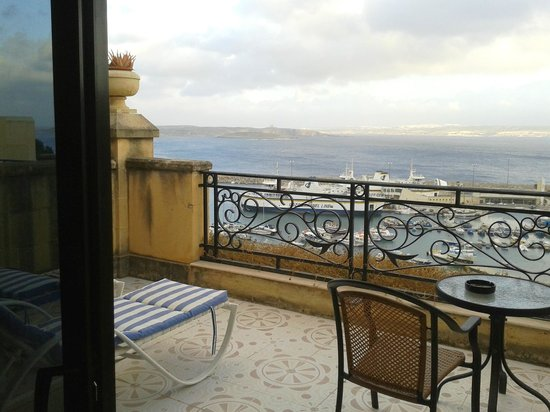 Grand Hotel Gozo: The lovely terrace