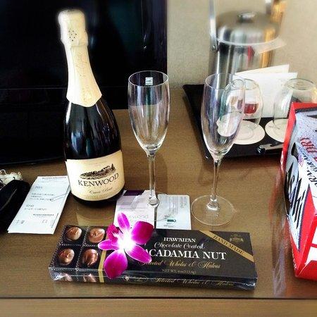 Moana Surfrider, A Westin Resort & Spa : ホテルから結婚記念のお祝い