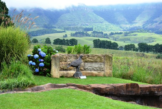 Falcon Ridge Bird of Prey Centre: Memorial