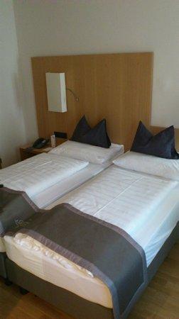 Hotel Maximilian: camera da letto
