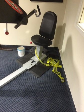 Microtel Inn & Suites by Wyndham Conyers Atlanta Area: Caution tape should've been strung up and not left in the corner!