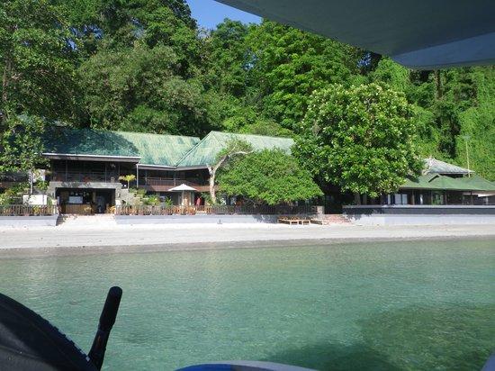 Bastianos Bunaken Dive Resort: Ankunft am Bastianos Dive Resort per Boot