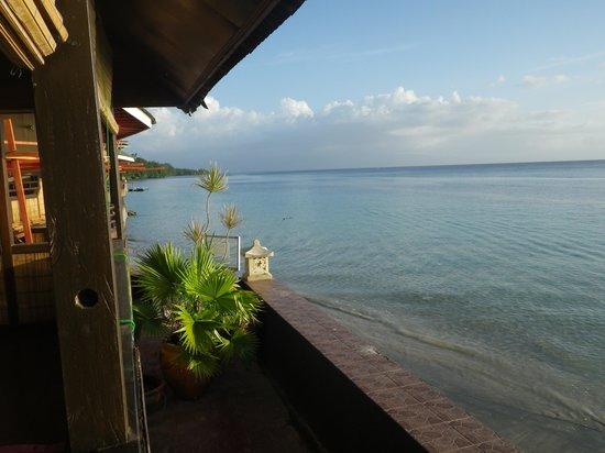 Bastianos Bunaken Dive Resort: Das nenne ich Beachfront!