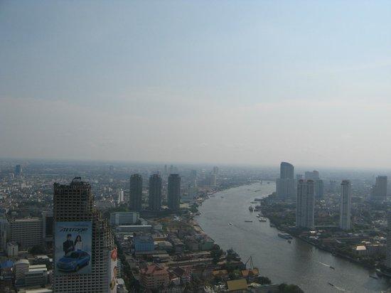lebua at State Tower: Vistas desde la habitacion con vistas al rio