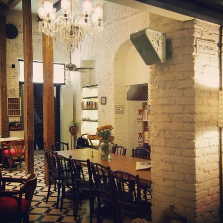 Abode Bombay : Beautiful dining room / chill-out area