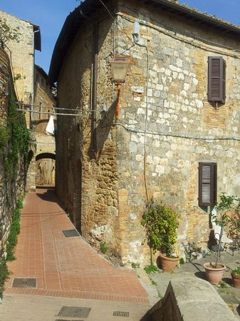 Tuscany in One Day Sightseeing Tour: san giamano