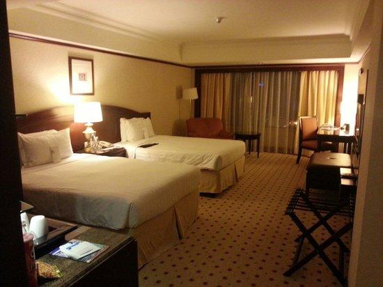 Le Meridien Kota Kinabalu: Room at Le Meridien