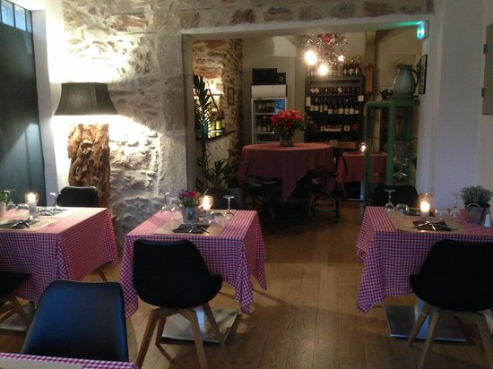 La Table D Emilie Caunes Minervois Ulasan Restoran Tripadvisor