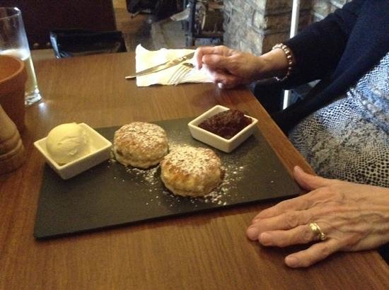 The Snooty Fox: Cream tea