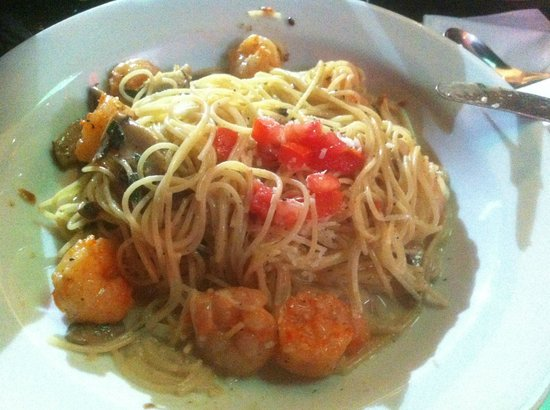 Carino's: Pasta with shrimps