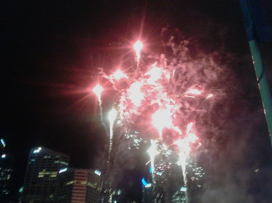 Darling Harbour: Fire crackers show on every Saturday evening
