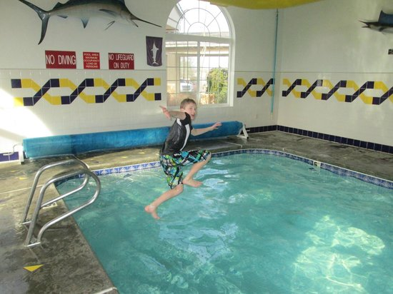 Super 8 Grangeville: enjoying the pool