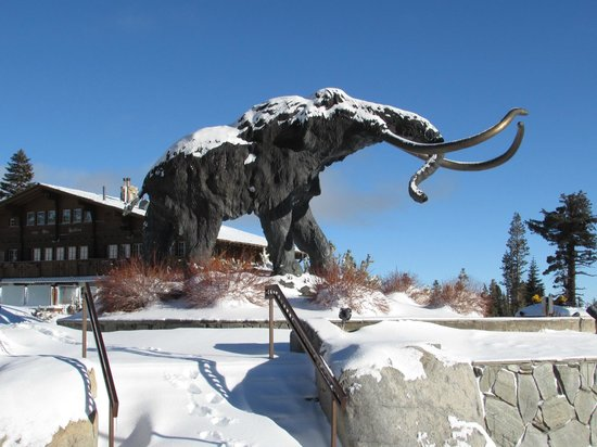 Mammoth Mountain Inn: Entrada do hotel
