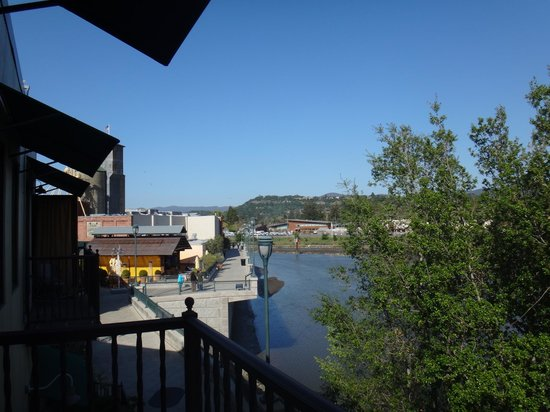 Napa River Inn at the Historic Napa Mill : View of the river.