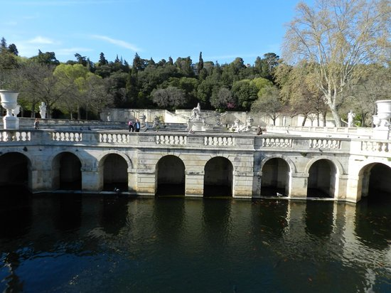 canal de la fontaine picture of jardins de la fontaine nimes tripadvisor. Black Bedroom Furniture Sets. Home Design Ideas