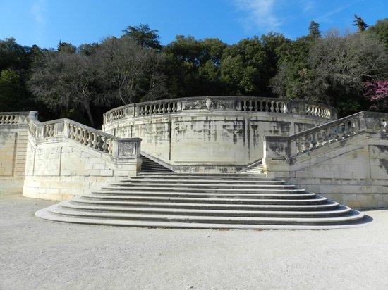 Quai de la fontaine picture of jardins de la fontaine nimes tripadvisor for Fontaine de jardin oslo