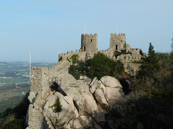 Castle of the Moors : Building