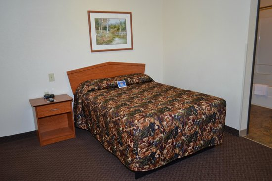 Value Place Clarksville, Tennessee (Ft Campbell): in Studio