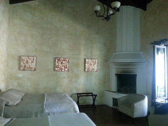 Hotel Cirilo : Disfrutamos del chimenea