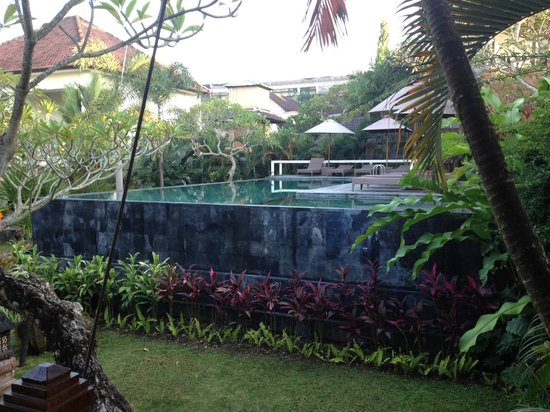 Pertiwi Resort & Spa: Pool next to the dinning room