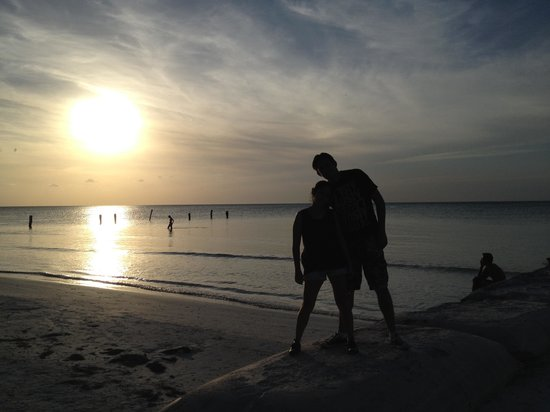 Holbox Dream Hotel by Xperience Hotels: Atardecer afuera del Hotel