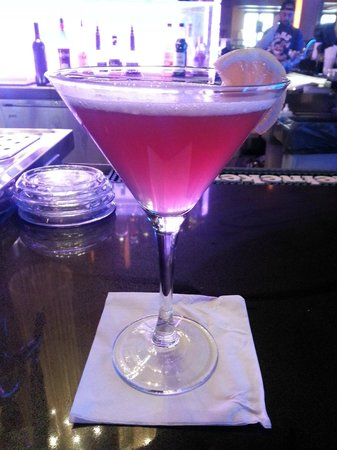 Hollywood Casino at Charles Town Races : Raspberry Martini