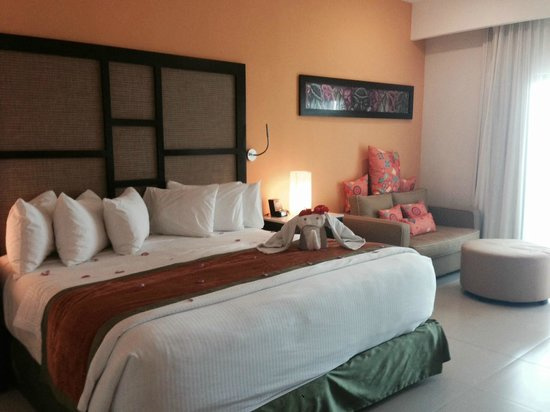 Sensimar Seaside Suites & Spa: Premium suite room