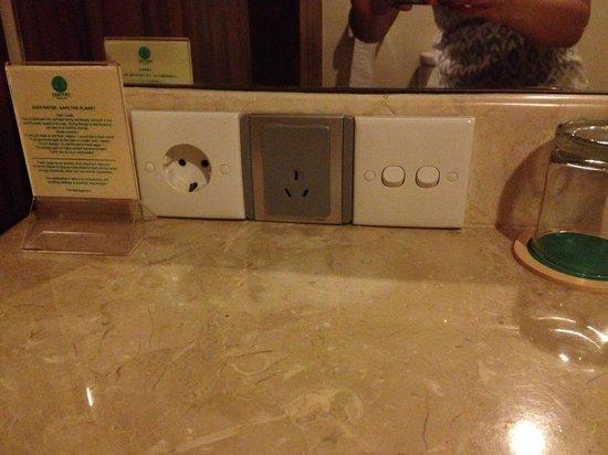 Pertiwi Resort & Spa: Plugs