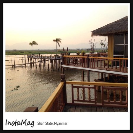 Paramount Inle Resort: Sunset at the hotel