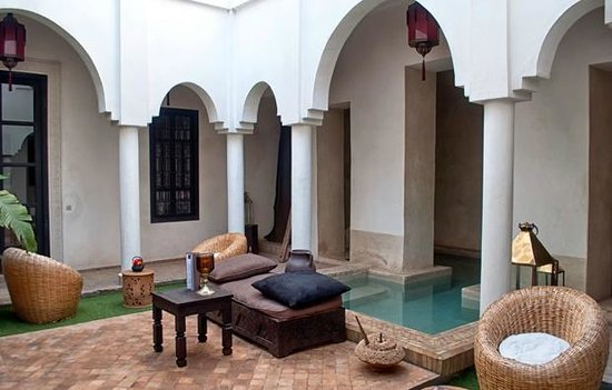 Riad Capaldi: Courtyard and pool