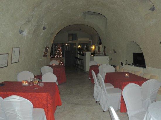 Heliotopos Hotel: cueva comedor